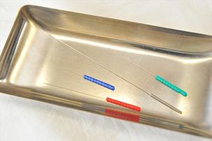 針の太さは施術内容、患者様によって使い分けています。